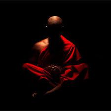 meditasija_v_temnote